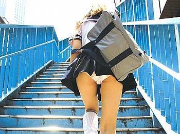 【桜井レイラ】渋谷在住ヤリマン色白ギャルが「お金くれんでしょ!?しかたないなぁ・・・♡」と言いながら、アヘ顔になってパイパンマンコで中イキ絶頂しながら膣内中出し♪