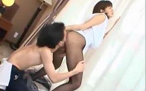 【麻美ゆま】網タイツの痴女なS級美女が「お尻の穴に舌入ってきたんだけど♥」とエロ尻をアナル責められて悶絶しちゃう!