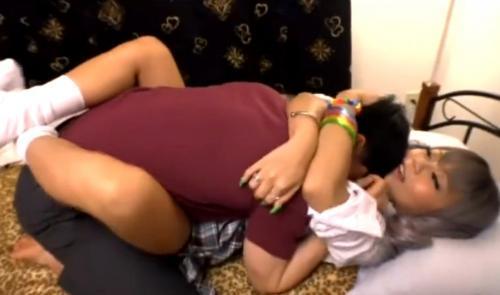 【丸山れおな】めっちゃギャルのJK妹の寝てる所をイタズラしたら、だいしゅきホールドされて中出しSEXしちゃった^_^
