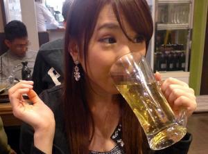 超ミニスカ美女S級ギャルが、居酒屋で泥酔して痴女化!パンチラしながら即尺ジュポフェラで誘惑するベロベロのお姉さん!酔えば酔うほどエロくなるマンピク酒乱ヤリマン!