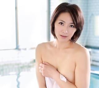 【矢部寿恵】綺麗すぎる四十路の美熟女妻が、夫に内緒でパート先の妻子持ち上司と不倫旅行に行っちゃう!
